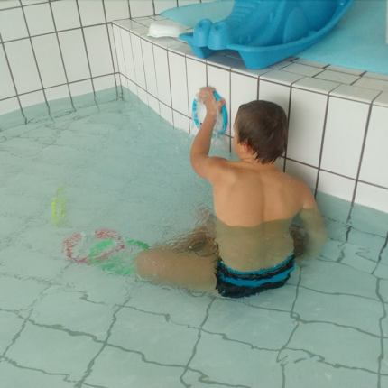 Aller à la piscine, Laël, 10 ans ( trisomie)