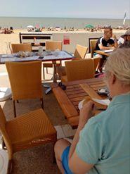 Profier du bord de mer à Chatelaillon plage , Bernard 55 ans ( troubles psychiatriques)