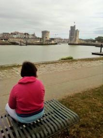 Se promener en centre ville de La Rochelle, Romy, 35 ans ( Troubles psychiatriques)
